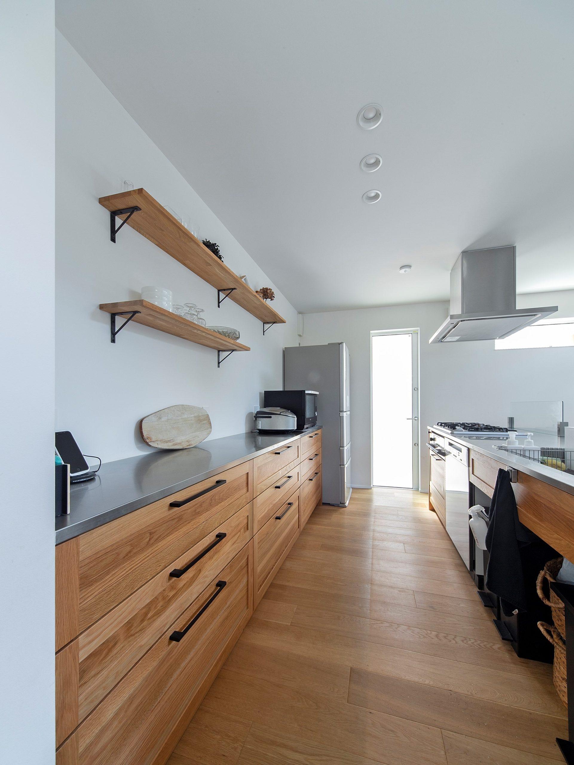 キッチン収納は引出しで奥まで余さず、使いやすく