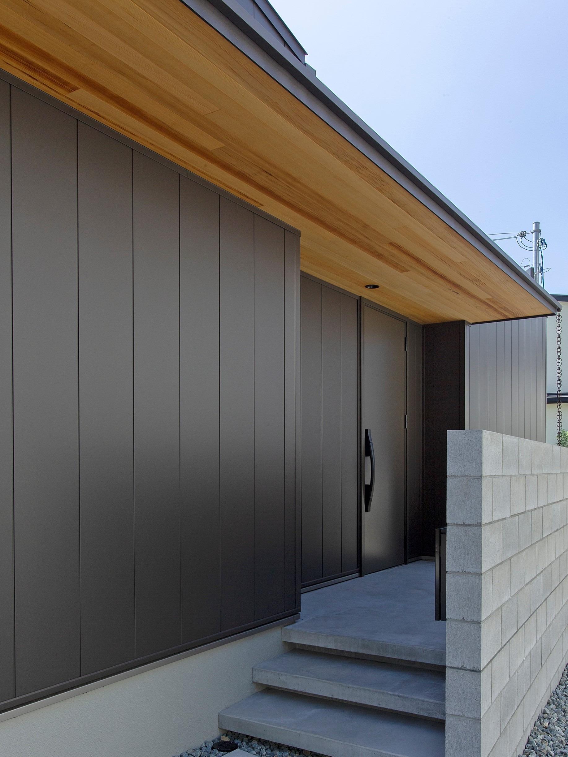 飾磨の家|外観アプローチ